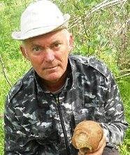 В окрестностях Хотьково обнаружен труп отца задержанного ранее педофила Виктора Кузнецова.