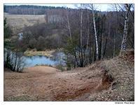 Из-за отсутствия канализации страдает экосистема реки Воря в Хотьково.