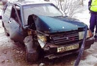 В Хотьково произошло ДТП, пьяная женщина пыталась скрыться с места происшествия, но врезалась в КамАЗ.